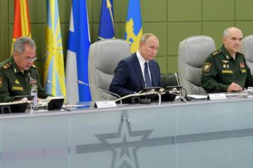 Vladimir Poutine supervise des tirs de missiles stratégiques