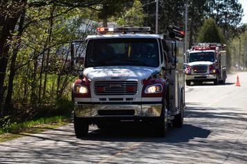 Incendie de forêt: le feu est maîtrisé à Saint-Étienne-des-Grès)