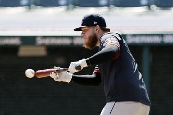 Indians: Perez blessé à l'épaule)