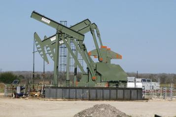 Le pétrole stimulé par les réouvertures)