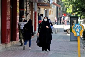 COVID-19 Record de contaminations en Iran, avec 27444 cas)