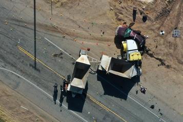 Collision mortelle en Californie Les 13victimes soupçonnées d'être auparavant entrées clandestinement aux États-Unis)