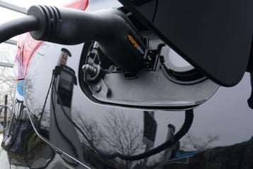 Incitatifs à l'achat de véhicules électriques: un programme fédéral populaire)