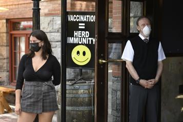 Vaccin AstraZeneca L'Ontario fait passer le délai entre deux doses de 12 à 8semaines)