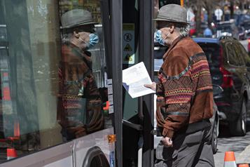 Masque obligatoire dans les transports en commun: des usagers partagés)