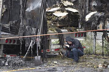 Saint-Léonard Un incendie criminel détruit trois chargements de raisin)