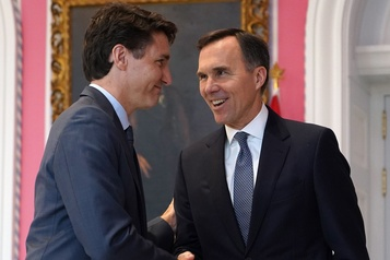 Justin Trudeau continue d'appuyer Bill Morneau)