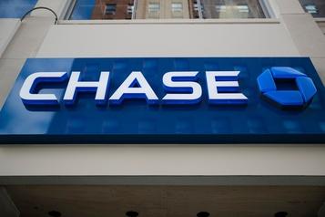 Chase annule les dettes de cartes de crédit de ses clients canadiens