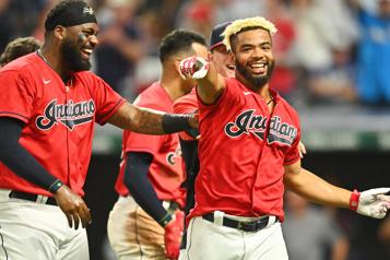 MLB Les Indians de Cleveland deviennent les Guardians)