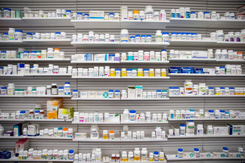 Un logiciel pour réduire les médicaments des aînés