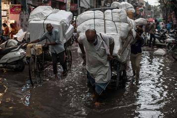Asie du Sud: plus de 340 morts dans les intempéries de la mousson)