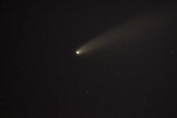 La comète Neowise visible en début de nuit)