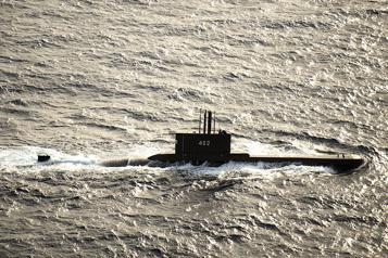 Un sous-marin indonésien porté disparu au large de Bali avec 53hommes à bord)