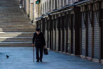 COVID-19: 19000 morts de plus que les chiffres officiels en Italie)