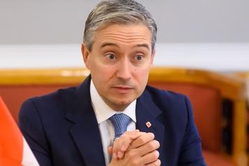 Écrasement en Iran: la GRC collabore avec l'Ukraine, dit Champagne