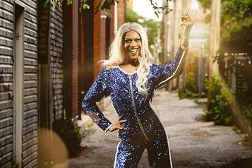 Les drag queens montent aufront  )