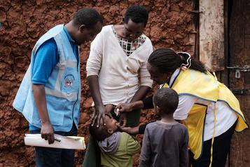 Polio L'autre défi de vaccination en Afrique)