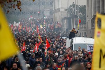 Des centaines de milliers de manifestants à nouveau dans la rue en France