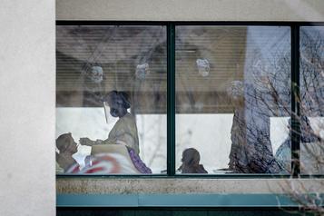 Demandeurs d'asile: le statut des «anges gardiens» bientôt réglé )