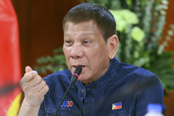 Vaccin russe: Duterte change d'idée et ne sera pas cobaye)