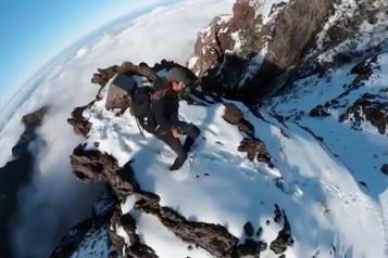Des randonneurs au sommet du plus beau sommet de l'île de Madère)