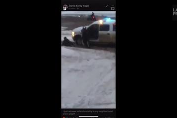 Un homme frappé par la portière d'un véhicule de la GRC)