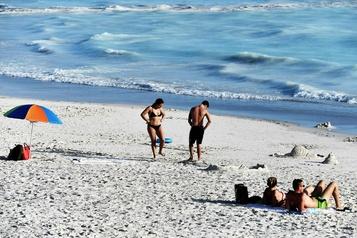 Une plage aux allures de «paradis artificiel» en Toscane