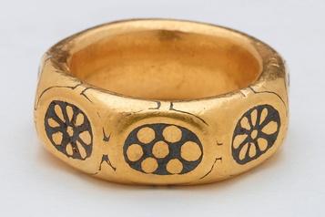 Deux chercheurs de métaux ont dissimulé un trésor viking