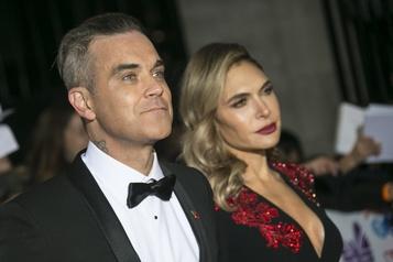 Les célébrités trompent l'ennui de la quarantaine