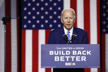 Surfant sur des sondages favorables, Biden lorgne le Texas)