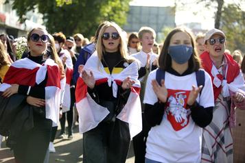 Les femmes au front en Biélorussie)
