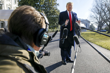 Trump signera lui-même l'accord avec les talibans si la trêve est respectée