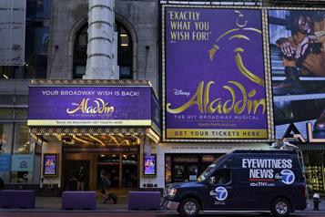 COVID-19 Aladdin interrompu après un soir