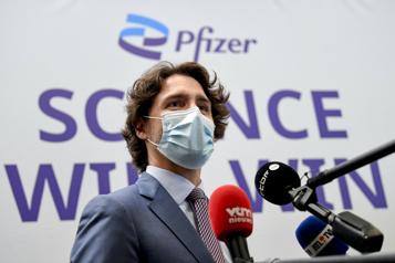 Pas de «solution miracle» pour vacciner la planète, selon Trudeau)