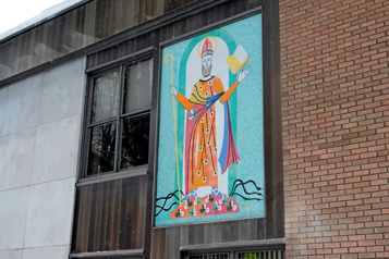 Murale d'Alfred Pellan Québec pourrait intervenir pour sauver le «St-Patrick» de Granby)