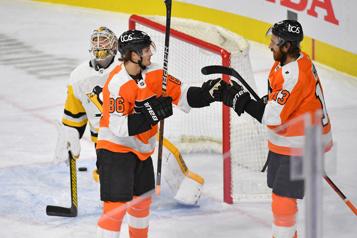 Joel Farabee mène les Flyers vers un gain de 6-3 face aux Penguins)
