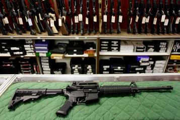 Le règlement sur les armes d'assaut contesté en cour)
