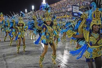 COVID-19 Rio de Janeiro reporte indéfiniment son carnaval)
