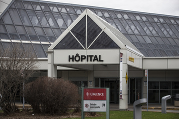 Montérégie Des patients placés parerreur en zone chaude)