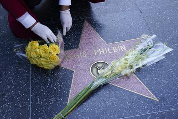 L'animateur Regis Philbin enterré en Indiana)