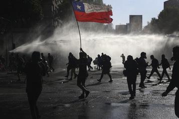 Chili Affrontements à Santiago avant le référendum constitutionnel)