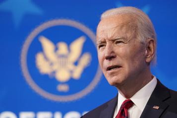 Joe Biden rend hommage au prince Philip, «un chic type»)