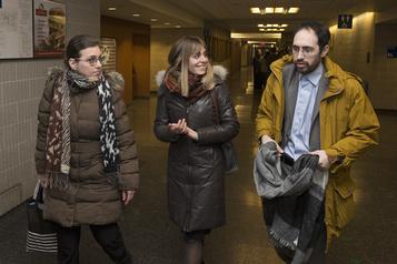 Obligation de faire respecter la Loi sur l'instruction publique Deux ex-hassidiques déboutés dans leur poursuite contre un rabbin et Québec)