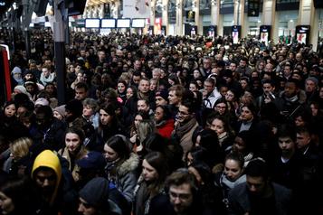 Conflit sur les retraites en France: dialogue dans l'impasse, risque de grève à Noël