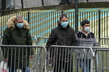 Volte-face des États-Unis sur l'utilité des masques