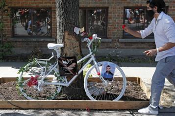 Mort de Maxime Levesque Un vélo fantôme installé sur l'avenue Papineau)