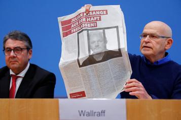 Médecins et journalistes apportent leur soutien à Julian Assange