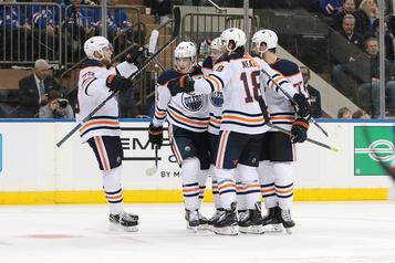 Les Oilers restent invaincus