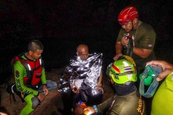 Un moine bouddhiste libéré lors du sauvetage d'une grotte en Thaïlande)