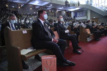 Un haut dirigeant américain achève à Taïwan une visite qui a suscité l'ire de Pékin)